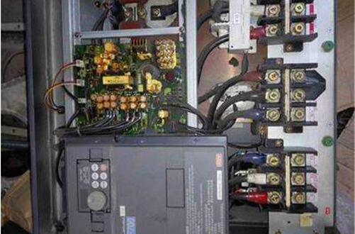 三菱变频器过电压维修