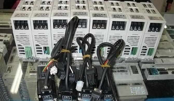 维修三菱伺服驱动器